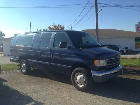 1997 Ford E-Series Wagon for sale in Milan, IL
