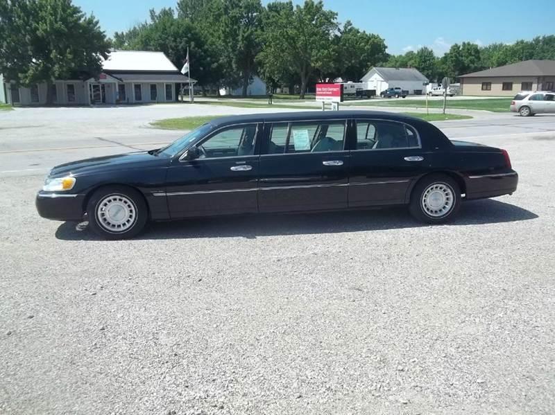 2001 Lincoln Town Car Executive 4dr Sedan In Onawa Ia Brett