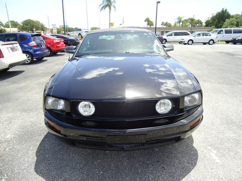 2007 Ford Mustang V6 Deluxe 2dr Convertible - Englewood FL