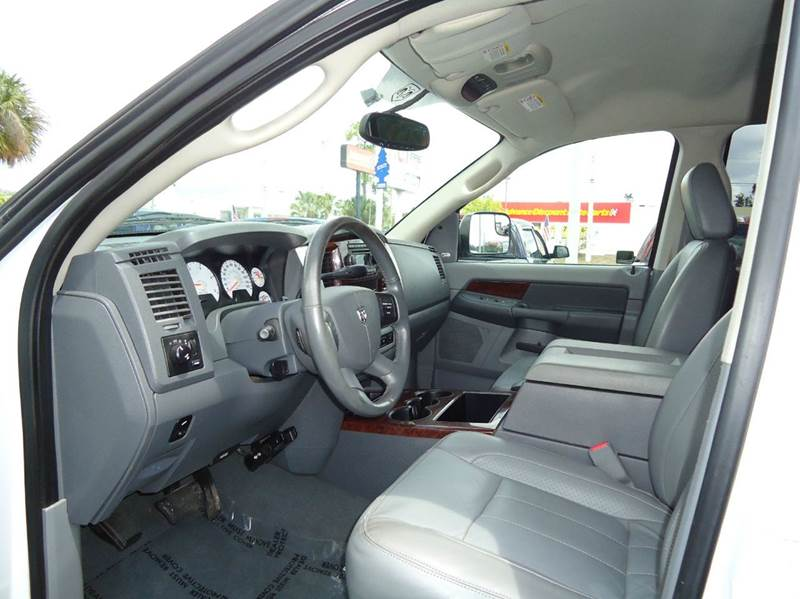 2008 Dodge Ram Pickup 3500 Laramie 4dr Mega Cab 4x4 SB w/Supplemental Side Airbags - Englewood FL