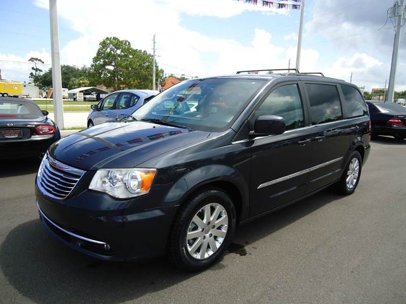 2014 Chrysler Town and Country Touring 4dr Mini-Van - Englewood FL