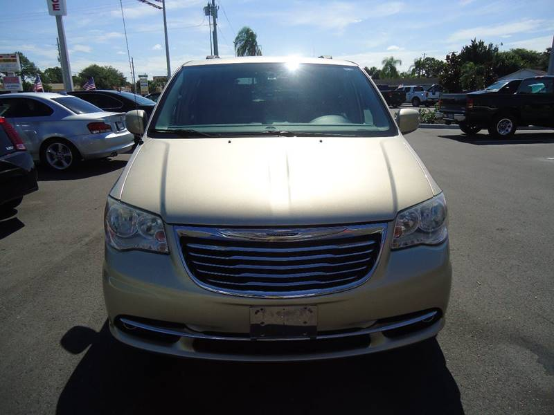 2012 Chrysler Town and Country Touring 4dr Mini-Van - Englewood FL