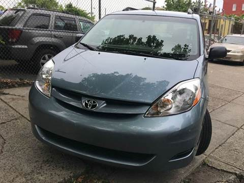 2007 Toyota Sienna for sale at 77 Auto Mall in Newark NJ
