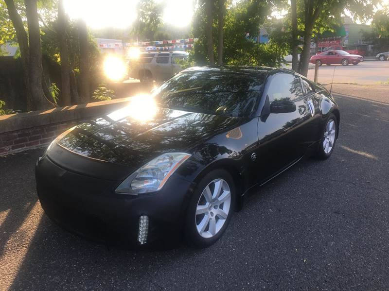 2004 Nissan 350Z for sale at ANDONI AUTO SALES in Worcester MA