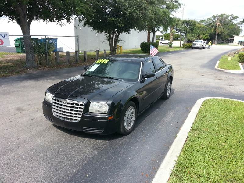 2006 CHRYSLER 300 BASE 4DR SEDAN black please call schirras auto at 888-227-9796 have bad credit