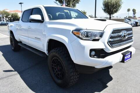 2017 Toyota Tacoma for sale at DIAMOND VALLEY HONDA in Hemet CA