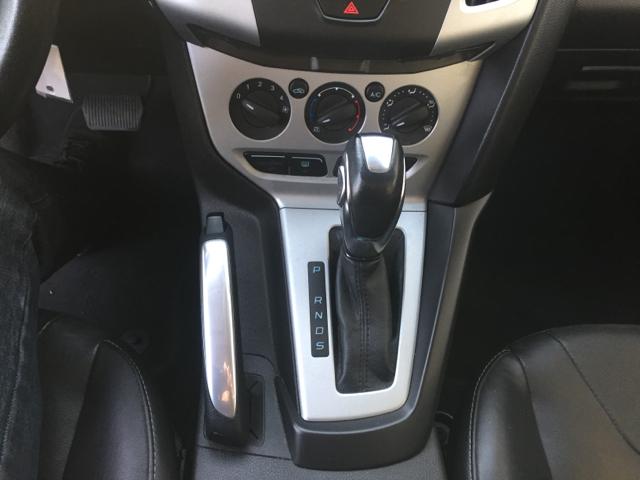 2013 Ford Focus SE 4dr Hatchback - Santa Maria CA