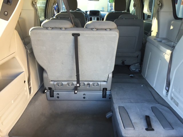 2010 Chrysler Town and Country Touring 4dr Mini-Van - Santa Maria CA