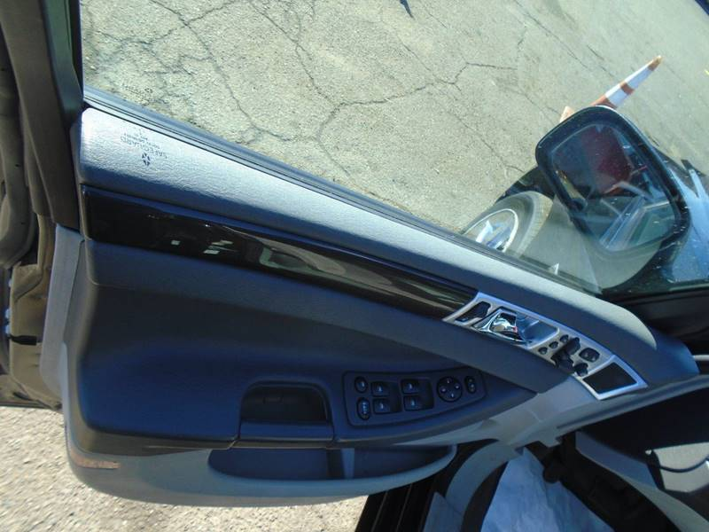 2008 Chrysler Pacifica Touring (image 11)
