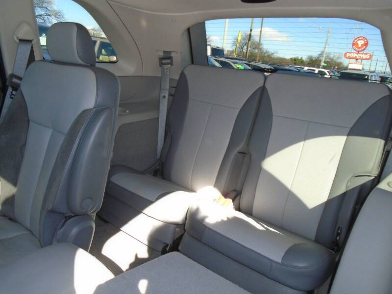 2008 Chrysler Pacifica Touring (image 14)