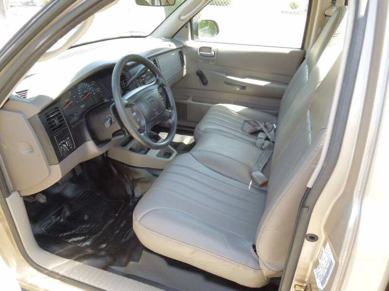 2002 Dodge Dakota 2dr Standard Cab 2WD SB - Oakdale CA
