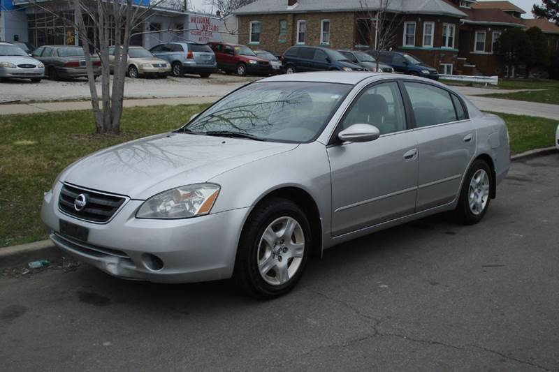 Delightful 2003 Nissan Altima 2.5 4dr Sedan   Chicago IL