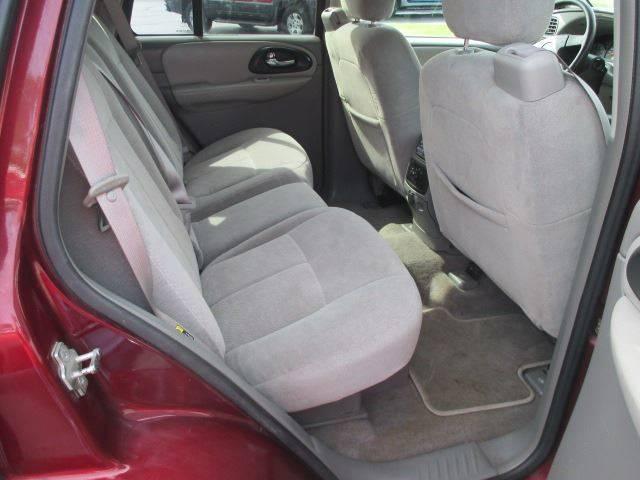 2005 Chevrolet TrailBlazer LS 4WD 4dr SUV - Racine WI