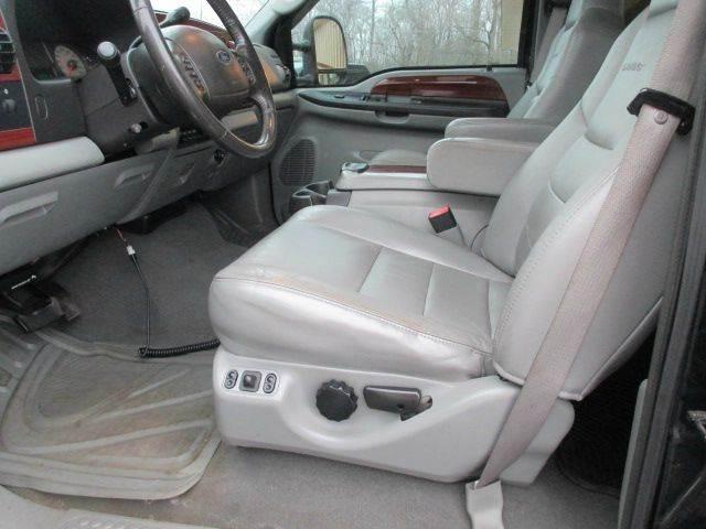 2006 Ford F-350 Super Duty Lariat 4dr Crew Cab 4WD SB - Racine WI