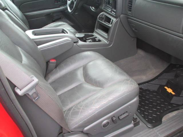 2004 Chevrolet Avalanche 4dr 1500 4WD Crew Cab SB - Racine WI