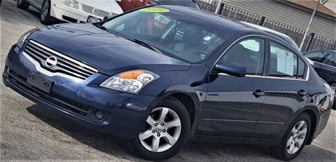 2009 Nissan Altima for sale at AutoBank in Chicago IL