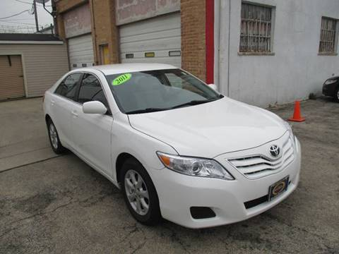 2011 Toyota Camry for sale at AutoBank in Chicago IL