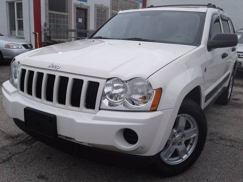 2006 jeep grand cherokee laredo 4dr suv 4wd w front side airbags in chicago il autobank. Black Bedroom Furniture Sets. Home Design Ideas