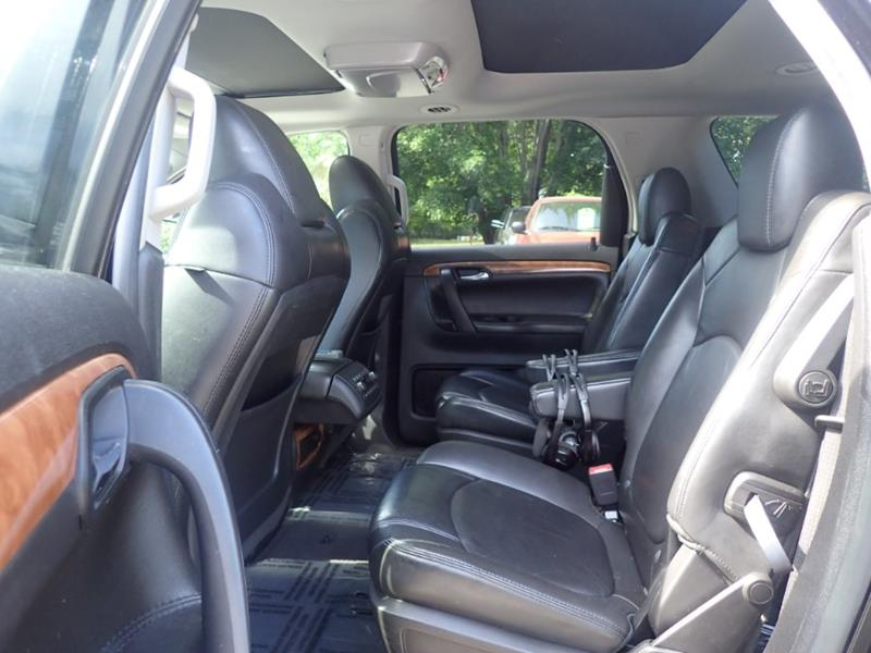 2009 Saturn Outlook AWD XR 4dr SUV - Storrs CT