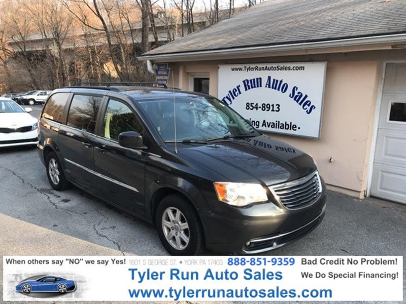 2011 chrysler town and country touring 4dr mini van in york pa tyler run auto sales. Black Bedroom Furniture Sets. Home Design Ideas