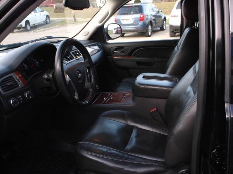 2010 Chevrolet Suburban 4x4 LTZ 1500 4dr SUV - Excelsior Springs MO
