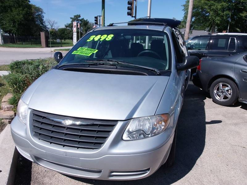 2006 Chrysler Town and Country for sale at RBM AUTO BROKERS in Alsip IL