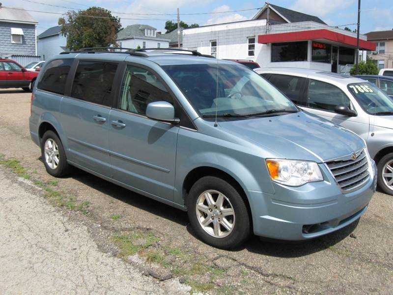 2008 Chrysler Town And Country Touring 4dr Mini Van In