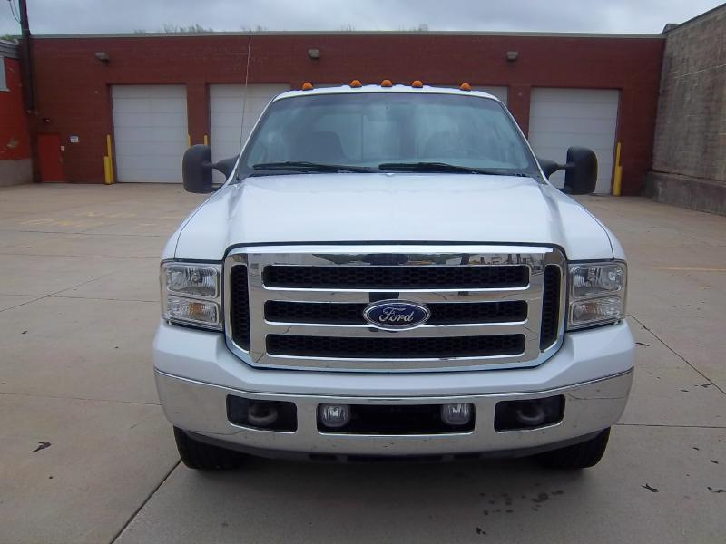 2005 Ford F-350 Super Duty 4dr Crew Cab Lariat 4WD LB - Milwaukee WI