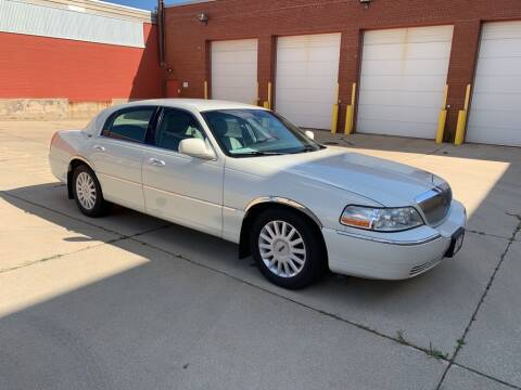 2005 Lincoln Town Car for sale at First Rate Motors in Milwaukee WI