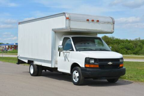 2004 Chevrolet Express Cutaway for sale at Signature Truck Center - Box Trucks in Crystal Lake IL
