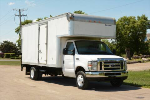 2016 Ford E-450 for sale at Signature Truck Center - Box Trucks in Crystal Lake IL