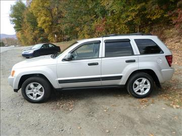 2005 Jeep Grand Cherokee for sale at AUTO CONNECTION LLC in Springfield VT