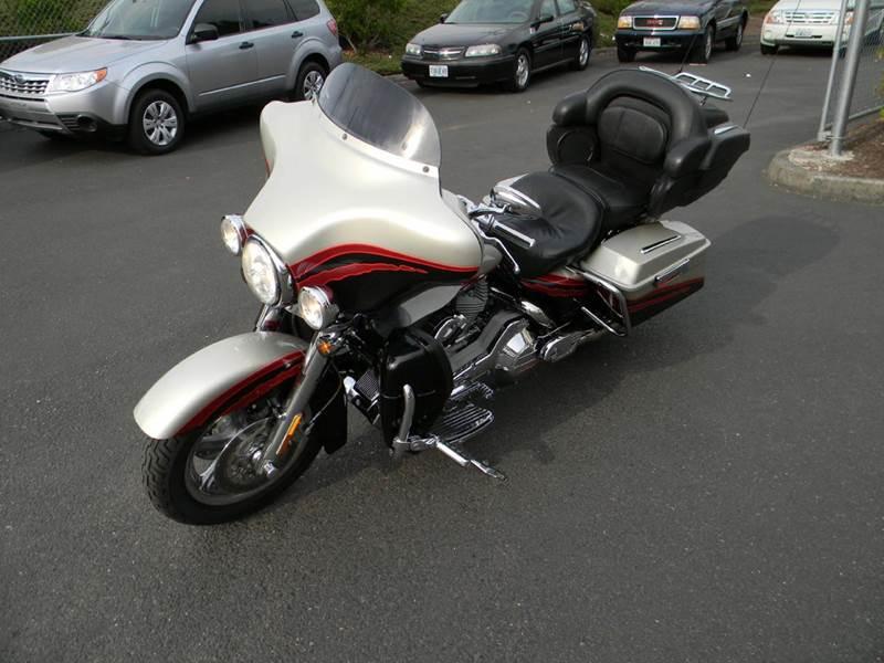 2006 Harley-Davidson Ultra Classic Screaming Eagle FLHTCUSE CVO - Vancouver WA