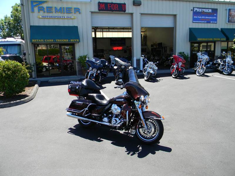 2011 Harley-Davidson Ultra Classic Electra Glide for sale at PREMIER MOTORSPORTS in Vancouver WA