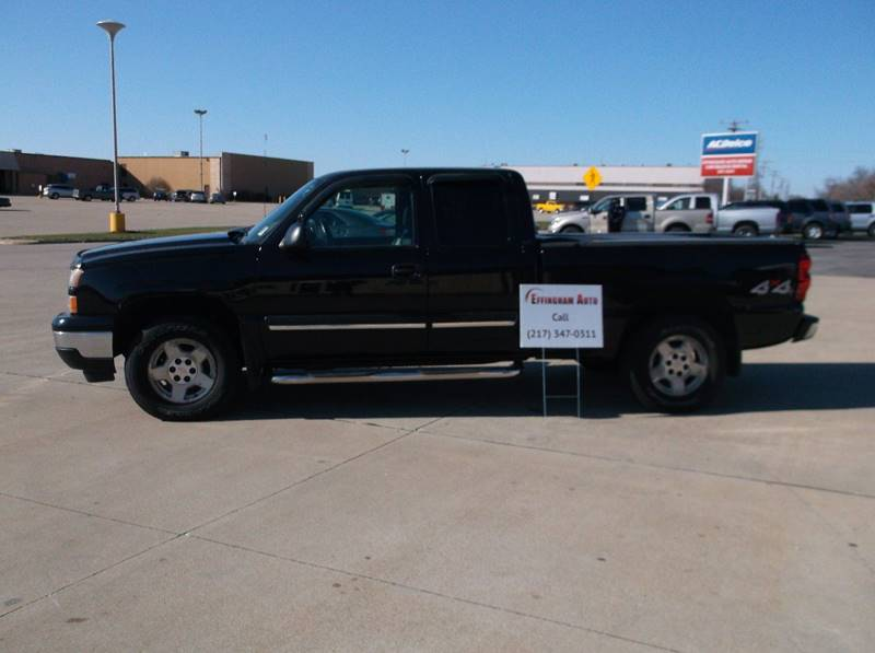 2006 Chevrolet Silverado 1500 for sale at EFFINGHAM AUTO in Effingham IL
