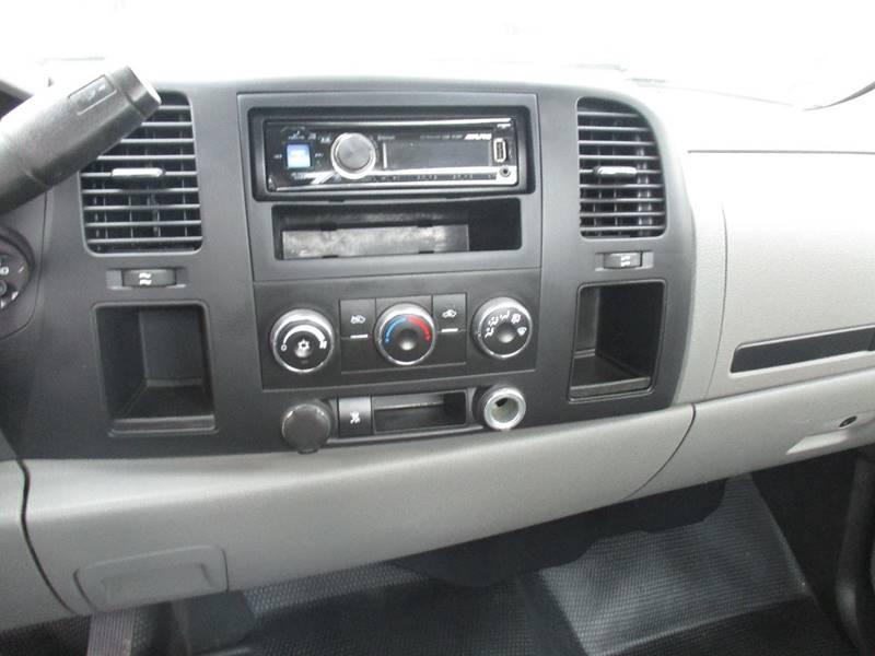 2011 Chevrolet Silverado 1500 4x4 Work Truck 2dr Regular Cab 8 ft. LB - Fort Bragg CA
