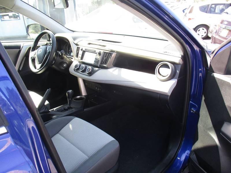 2015 Toyota RAV4 AWD LE 4dr SUV - Fort Bragg CA