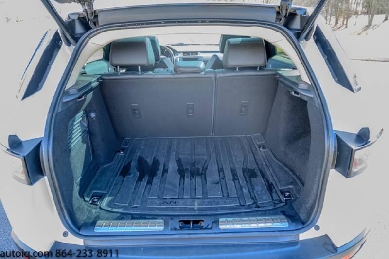 2015 Land Rover Range Rover Evoque Pure Plus (image 9)