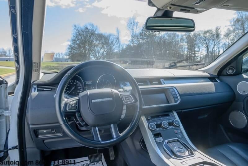 2015 Land Rover Range Rover Evoque Pure Plus (image 11)