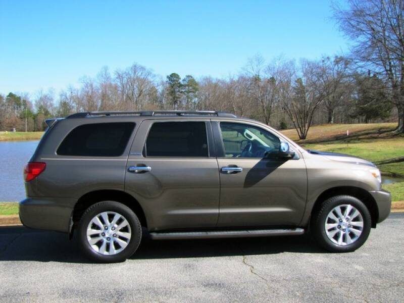 2013 Toyota Sequoia Limited (image 2)