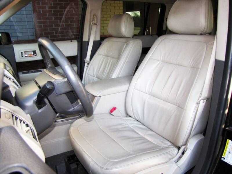 2011 Ford Flex SEL (image 11)
