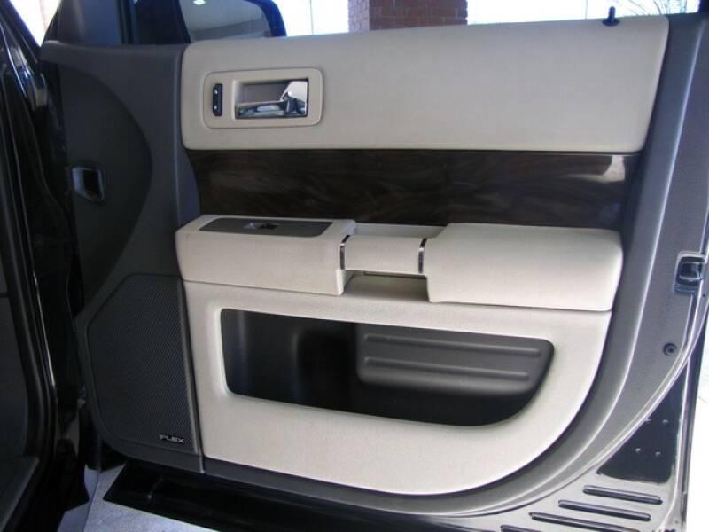 2011 Ford Flex SEL (image 15)