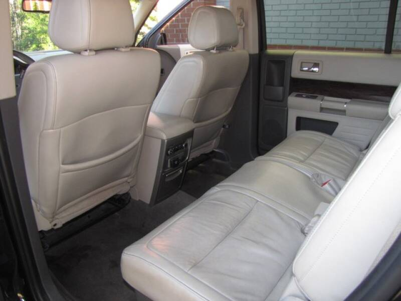 2011 Ford Flex SEL (image 18)
