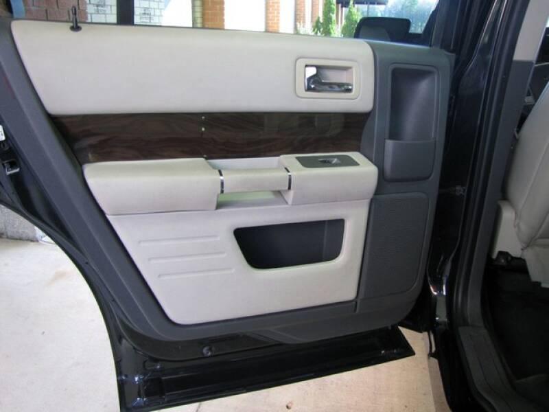 2011 Ford Flex SEL (image 17)