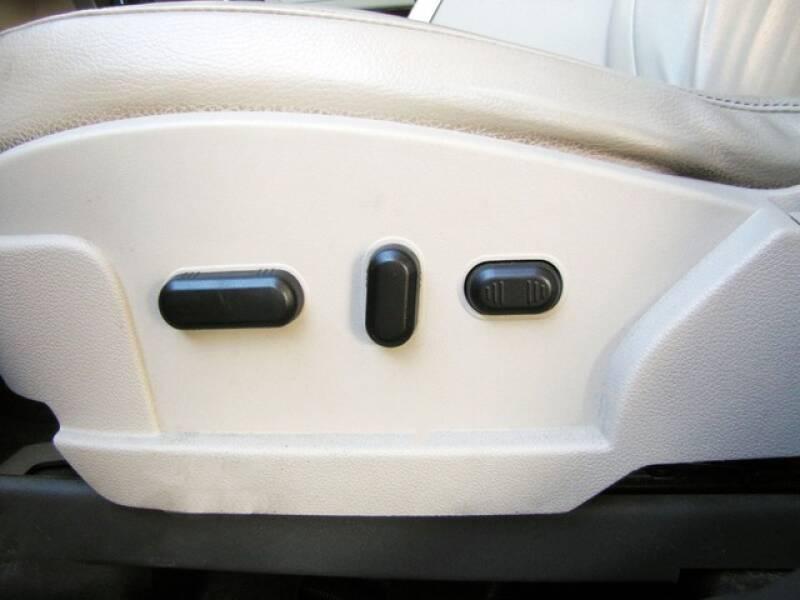 2011 Ford Flex SEL (image 12)