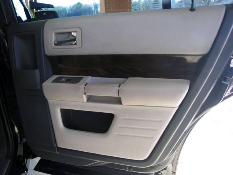 2011 Ford Flex SEL (image 21)