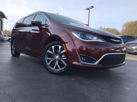 2017 Chrysler Pacifica for sale in Channahon, IL