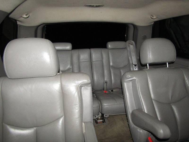2004 Chevrolet Tahoe for sale at Manassas Automobile Gallery in Manassas VA