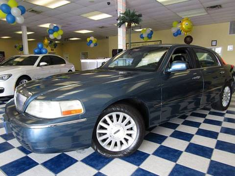 2003 Lincoln Town Car for sale at Manassas Automobile Gallery in Manassas VA