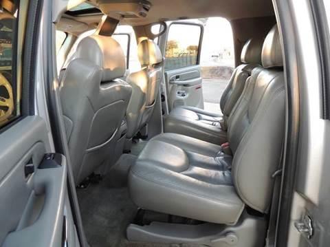 2005 GMC Yukon XL AWD Denali 4dr SUV - Detroit MI